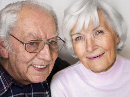 пожилые люди пара счастливые