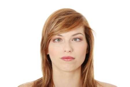 Девушка со скошенными глазами