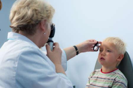мальчик на приёме у врача