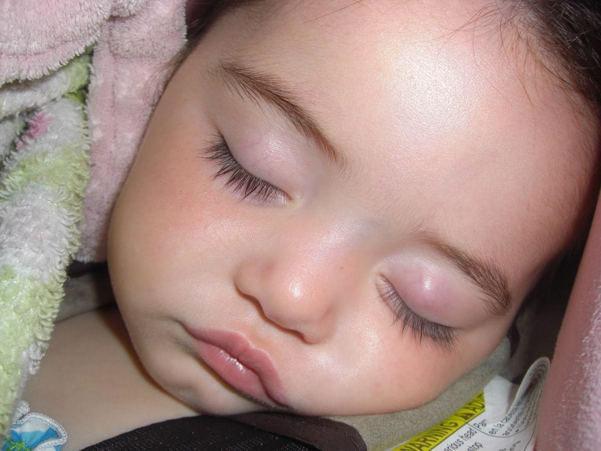 холизион на глазах у детей этого