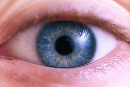 Приближенная фотография глаза