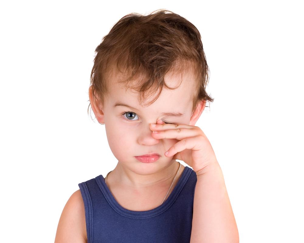 У ребёнка гноятся глаза что делать фото