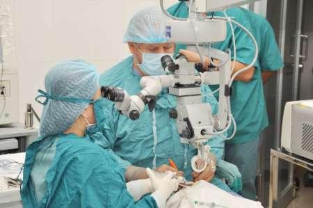 проведение офтальмологической операции